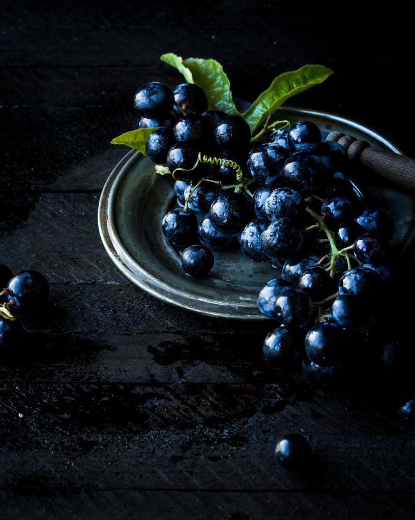 ciemny-winogron-grapes