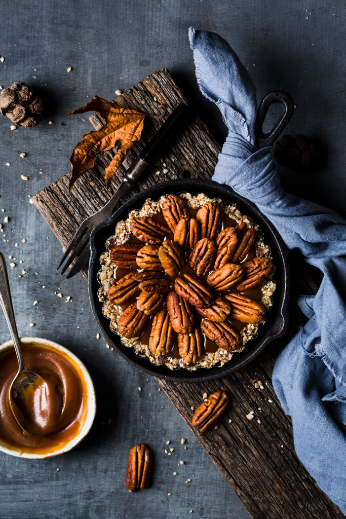 tarta-z-pekanami-w żeliwnej patelni pecan-tart